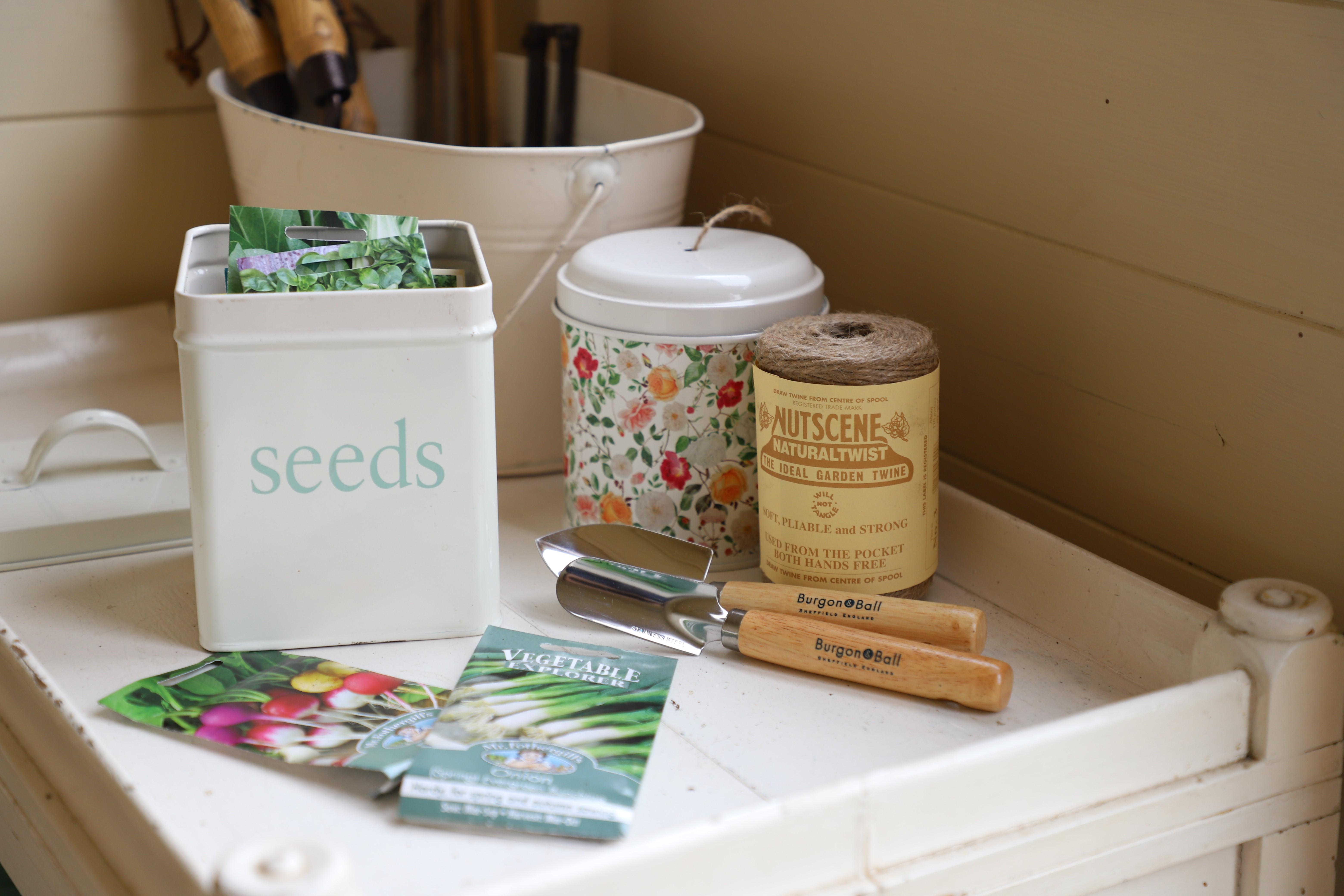 seed tin